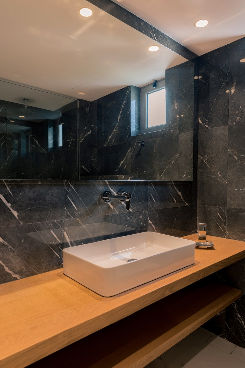 Bathroom of the suite IV
