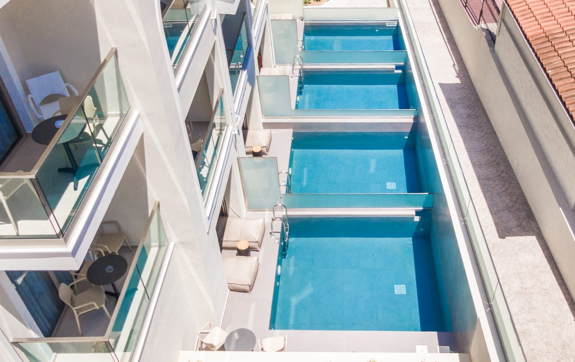 Private pools view IV