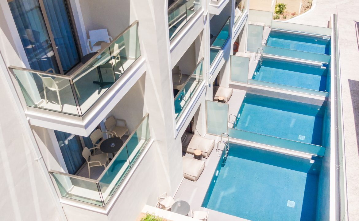 Private pools view V